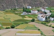 Free Tibetan Countryside Royalty Free Stock Photos - 26647878