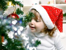 Free Beautiful Girl Dressed In A Santa Claus Hat Royalty Free Stock Images - 26648609