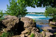 Free Niagara River Royalty Free Stock Photos - 26670258