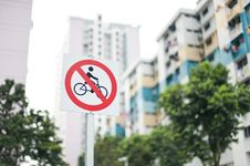 Free No Cycling Sign Royalty Free Stock Images - 26680699