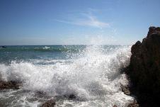 Free Pounding Waves Stock Photography - 2670292