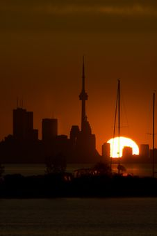 Free Toronto Skyline At Dawn Royalty Free Stock Image - 2670696