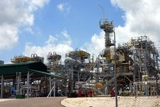 Free Gas Factory Stock Photo - 2672450
