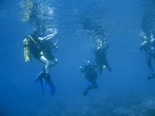 Free Scuba Diver Group Lesson Stock Image - 2677451