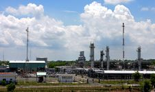 Free Gas Factory Stock Image - 2678811