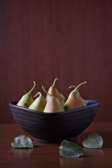 Free Pears In A Bowl Stock Photos - 26702323