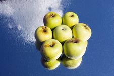 Free Six Apples Royalty Free Stock Photos - 26703748