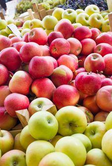 Free Apples Stock Photos - 26704743
