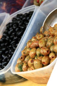 Free Olives Royalty Free Stock Photos - 26708538