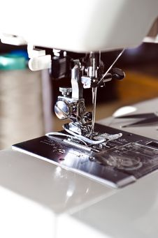 Free Foot Sewing Machine Royalty Free Stock Images - 26708569