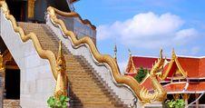 Free Naka On Top Staircase Balustrade Royalty Free Stock Photo - 26720645