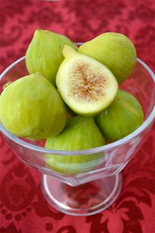Free Figs In A Bowl Stock Photo - 26721300
