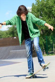 Free Skateboard Stunts Royalty Free Stock Photography - 26727077