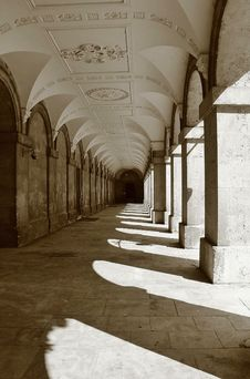 Free Long Shadows Magdalen College Royalty Free Stock Images - 26727259