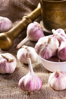 Free Fresh Garlic Stock Image - 26736321