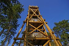Free Wooden Lookout Tower Royalty Free Stock Image - 26739376
