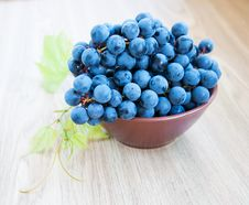 Free Blue Grape Cluster With Leaves Stock Photos - 26741023