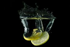 Free Picture Of A Fruit Dropped Under Water Stock Images - 26744094