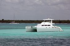 Free Yacht Deluxe Stock Images - 26748164