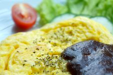 Free Scrambled Eggs With Blackpepper Sauce Royalty Free Stock Photo - 26755025
