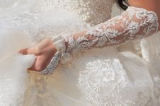 Free Bride Hand With Lace Decoration Stock Photography - 26758792