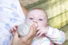 Free Bottle Feeding Stock Photography - 26760952
