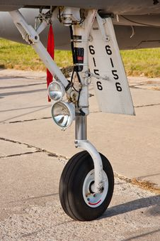 Free Aircraft Wheel Stock Photography - 26778942