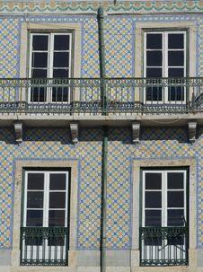 Free Tiled House Facade, Lisbon Royalty Free Stock Photo - 26791165