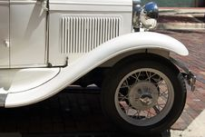 Free Antique White Auto Stock Photography - 26795552
