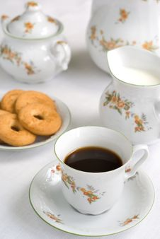 Free Tea Or Coffee Set Royalty Free Stock Photos - 2683388
