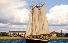Free Two-masted Sailboat Royalty Free Stock Image - 2684426