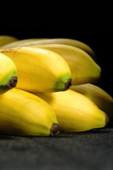 Free Banana Bunch Royalty Free Stock Images - 2689599