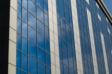 Free Modern Office Building Royalty Free Stock Photography - 26812737