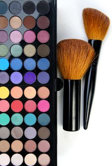 Free Make-up Palette And Brushes Stock Photography - 26818742