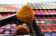 Free Make-up Palette And Brushes Royalty Free Stock Image - 26818806