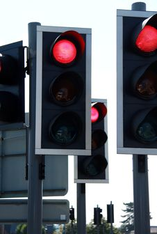 Free Traffic Light Royalty Free Stock Photo - 26831645
