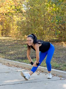 Free Happy Woman Exercising In A Park Stock Images - 26837874