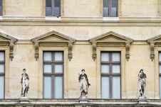 Free Beautiful Statues Located On The Museum Of The Louvre In Paris, France Royalty Free Stock Images - 26842559