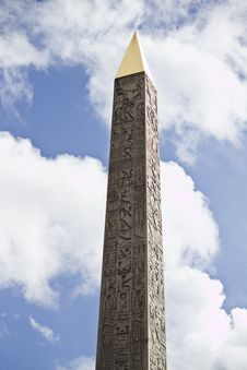 Free Luxor Obelisk Royalty Free Stock Photo - 26843225