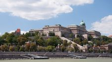 Free The Royal Castle In Budapest Royalty Free Stock Image - 26843286