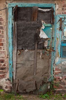 Free Old Dilapidated Ragged Door Royalty Free Stock Photos - 26849408