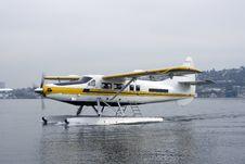 Floatplane Landing On Lake Stock Photography