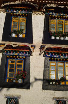 Free Tibetan Windows Royalty Free Stock Photos - 26852648