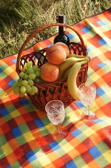 Free Picnic Royalty Free Stock Photo - 26869825