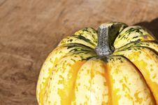 Free Background With Pumpkin On Wooden Board Royalty Free Stock Images - 26870539