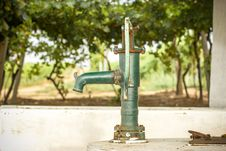 Free Old Hand Water Pump Stock Photos - 26872733