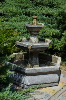 Free Fountain In Park Stock Photo - 26873130
