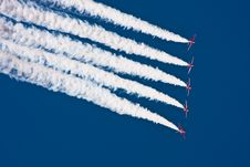 Free Aerobatic Jet Airplanes Royalty Free Stock Image - 26895966