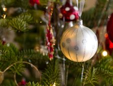 Free Christmas Ball On Green Tree Stock Photos - 26897033