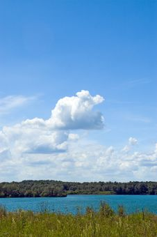 Free Colorful Cloudscape And Lake Royalty Free Stock Images - 2699669